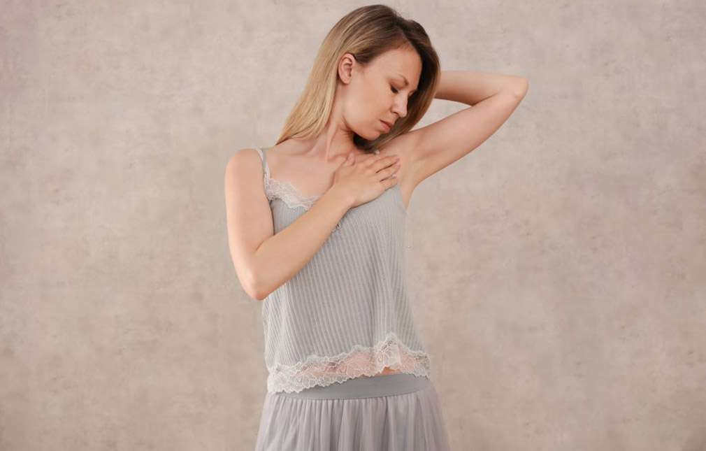 HOW TO AVOID ITCHY ARMPITS